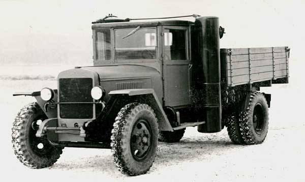Cоветский газогенераторный автомобиль ЗИС-13